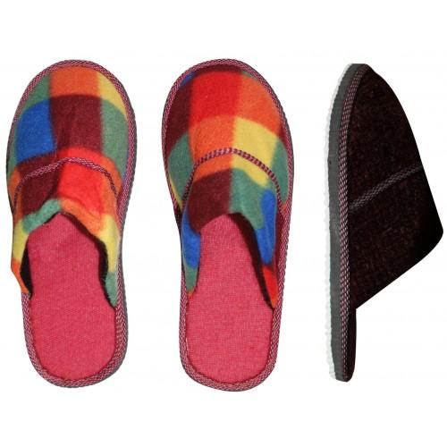 Pantofle domowe, różne rozmiary i wzory